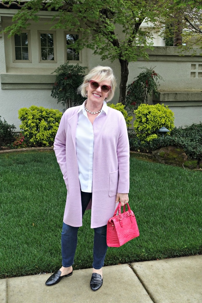 Jennifer Connolly of A Well Styled Life wearing casual outfit from J.Crew