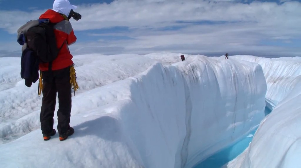 Chasing ice trailer screenshot2