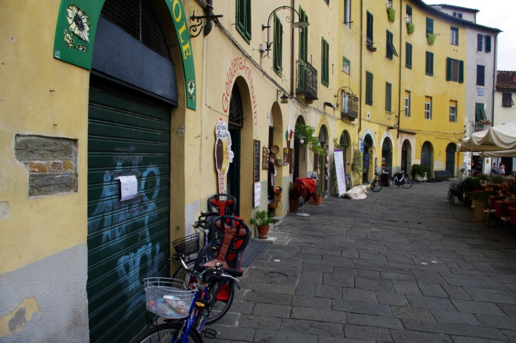 Lucca (CC awesomatik.com)