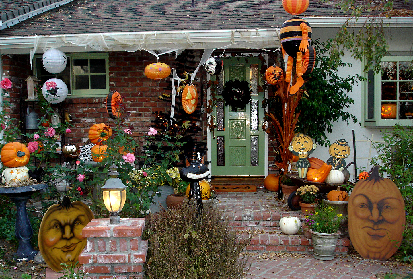 awesome outdoor halloween decoration ideas