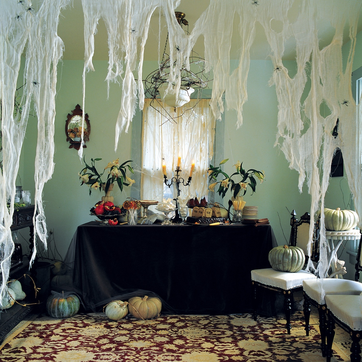 11 Awesome Halloween Indoor Decorations  Awesome 11