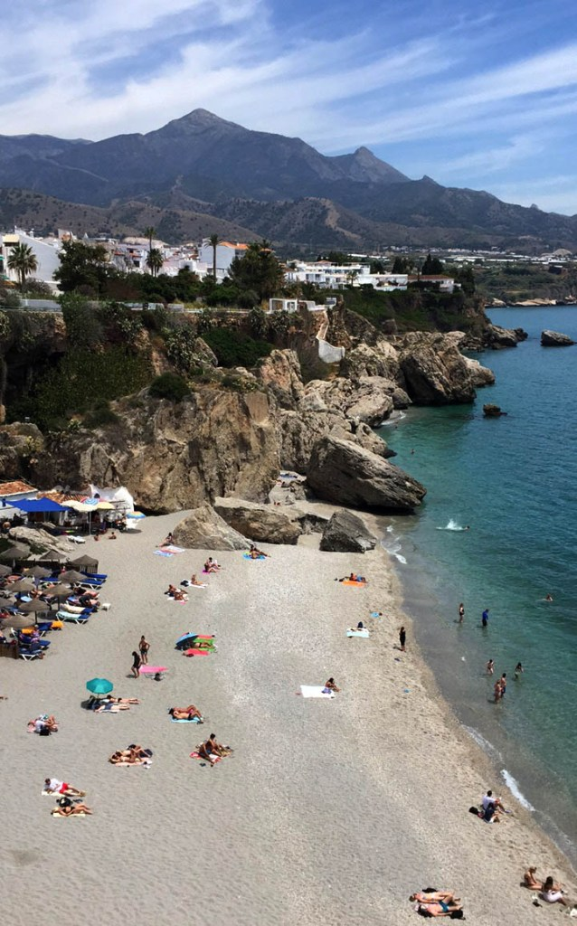Visitors guide to Nerja: beach