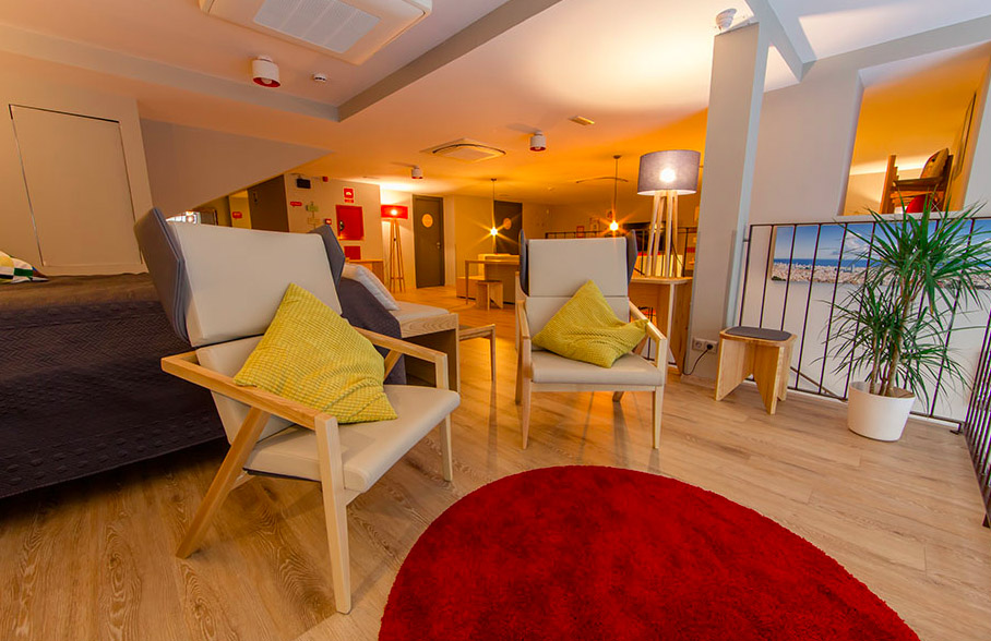 10 Best Barcelona Hostels: best affordable places to stay in Barcelona Spain: yeah barcelona