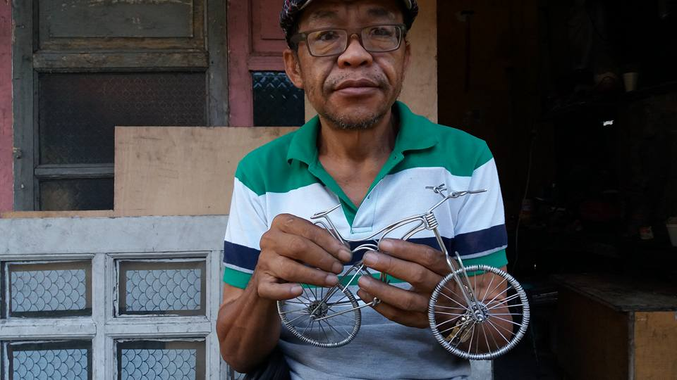 52-Year-Old Filipino Sets The Social Media Abuzz By His Incredible Creations Made From Aluminum Wires image 1