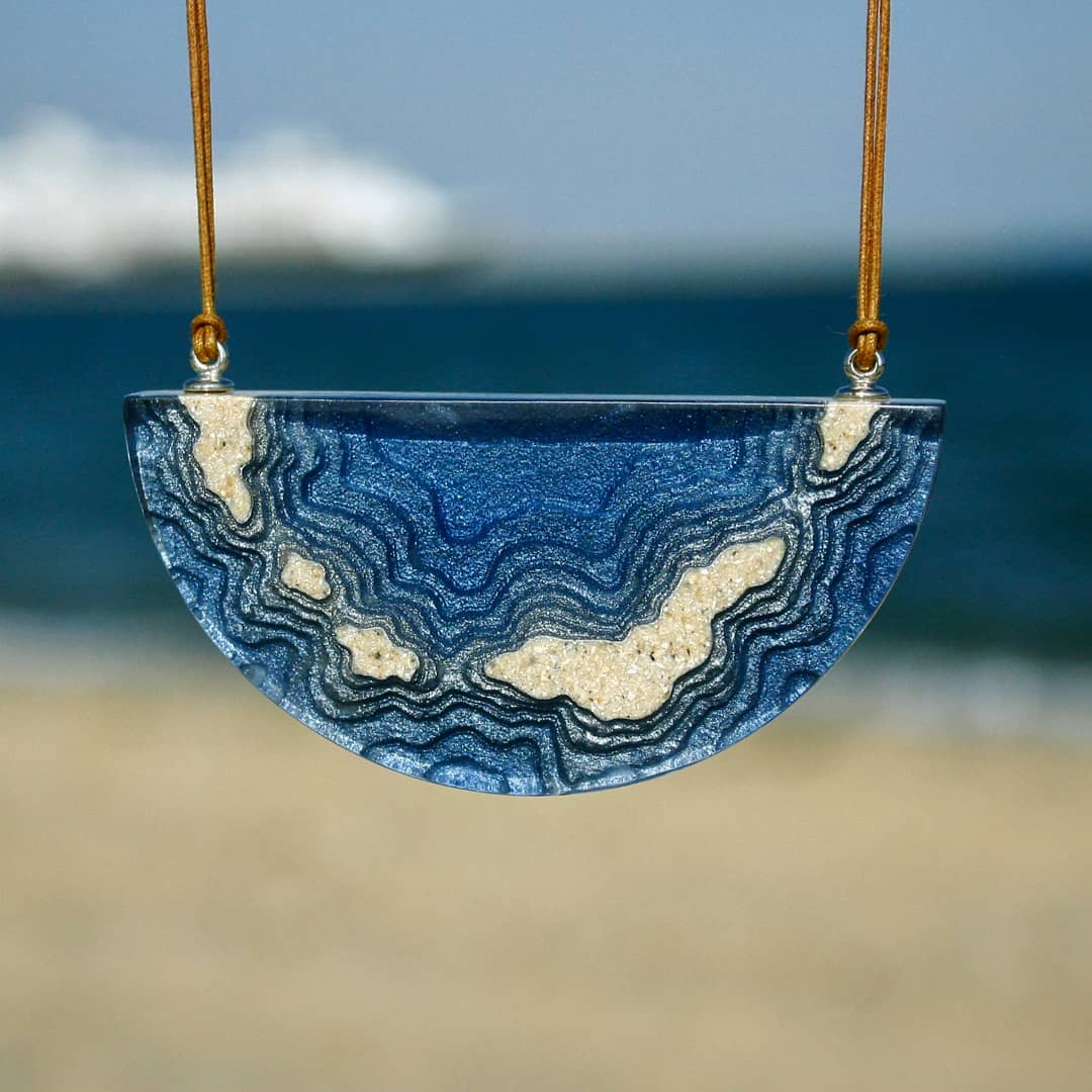 Exquisite Jewelry Made From Sand And Resin Sells Like Hot Cakes 10