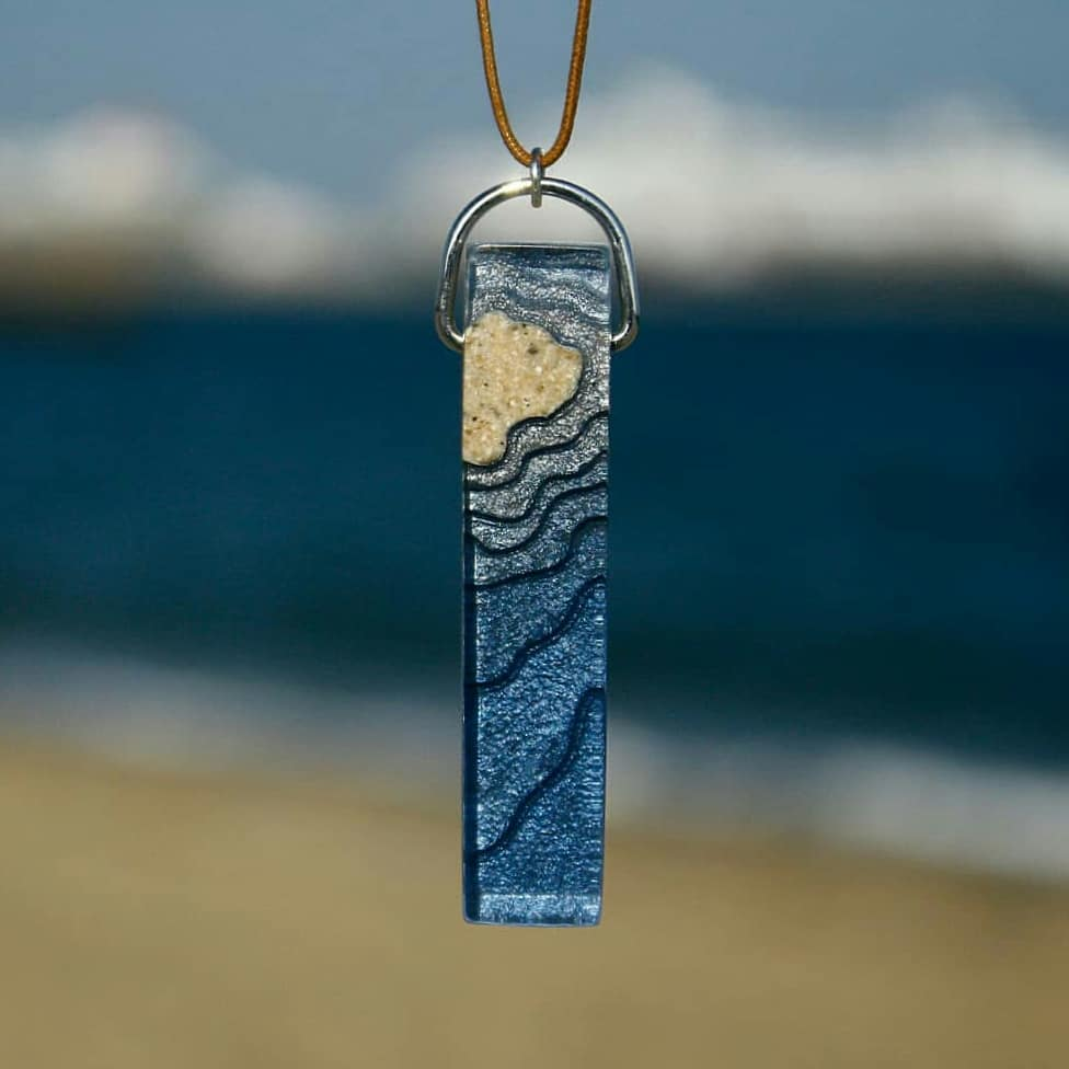 Exquisite Jewelry Made From Sand And Resin Sells Like Hot Cakes 1
