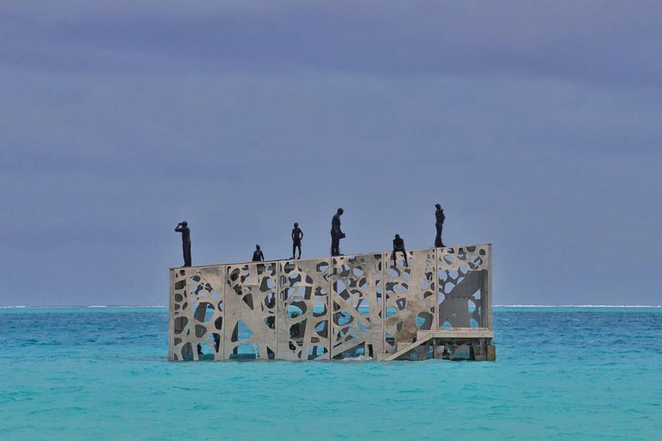 Sculptor Creates Unique Underwater Sculptural Museums To Create Environmental Awareness 5