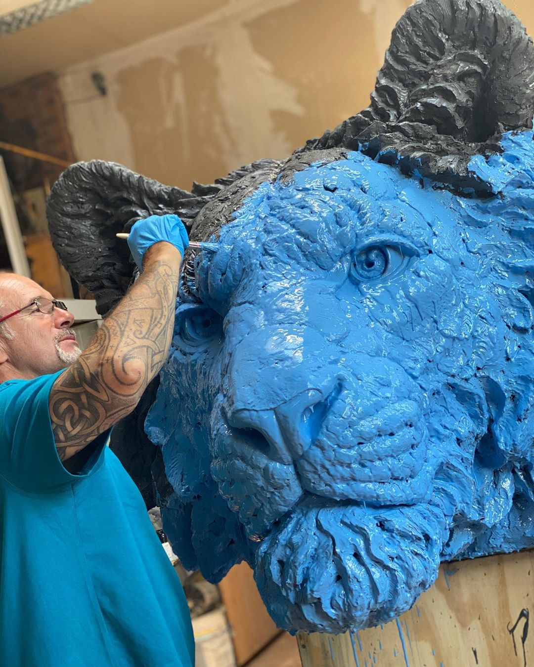 Self-Taught Sculptor Gains World Recognition For Stunning Bronze Sculptures 7