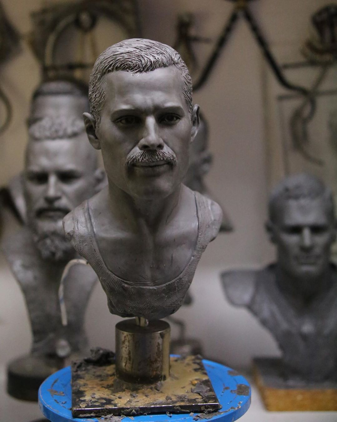 Self-Taught Sculptor Gains World Recognition For Stunning Bronze Sculptures 9
