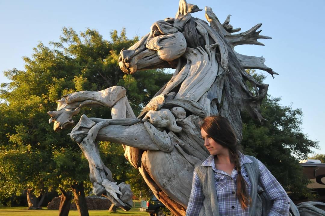 Wood Artist Creates Stunning Animal Sculptures Using Only Salvaged Wood 4