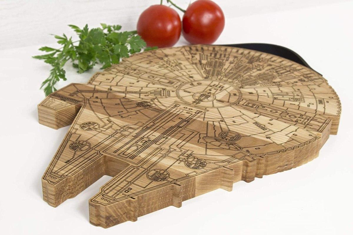 millennium falcon wooden cutting board 1