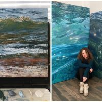 Ukrainian Artist Paints the Sea to Calm the Mind