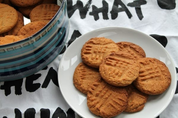 Crunchy Peanut Butter Cookies | How to be Awesome on $20 a Day
