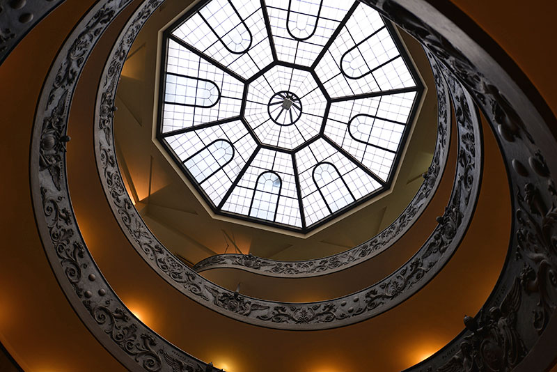 vatican-staircase