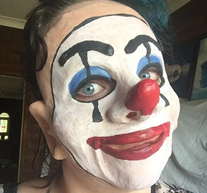 40 scary clown masks