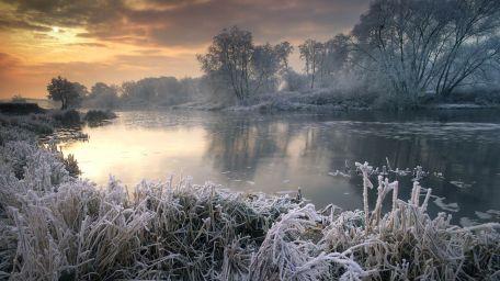 2013-12-25_en-au6825518728_wintertime-along-river-avon-worcestershire-england