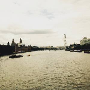 Walk over Lambeth Bridge