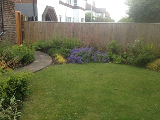path-corner-bed-and-fence