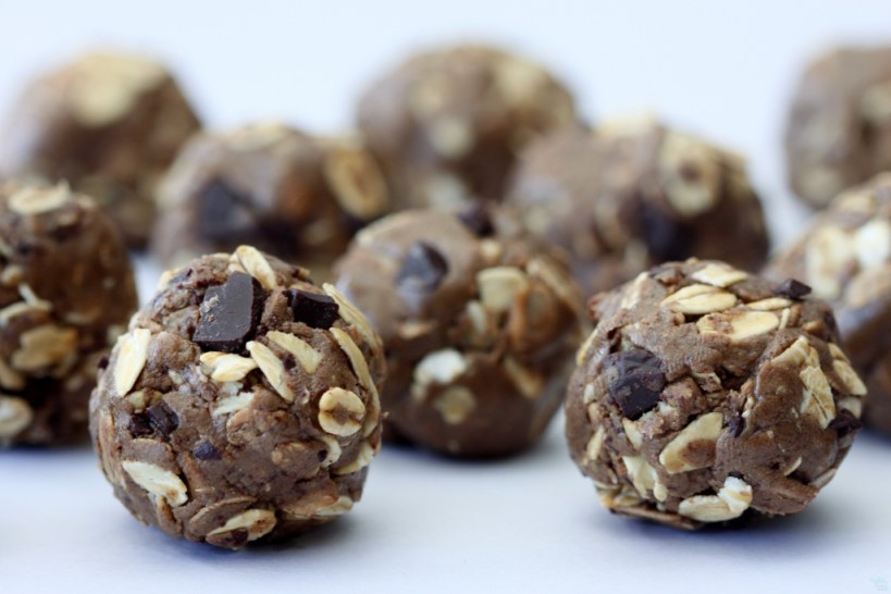how to make chocolate chip protein balls
