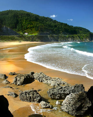 Basque Country sea and beach_playa_laga