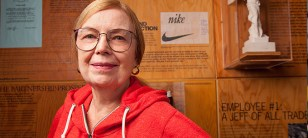 The True Story Of Carolyn Davidson And The Iconic Nike Logo ...