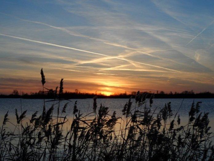 wederom was de zonsondergang fraai. Albert Thibaudier maakte deze schitterende foto.