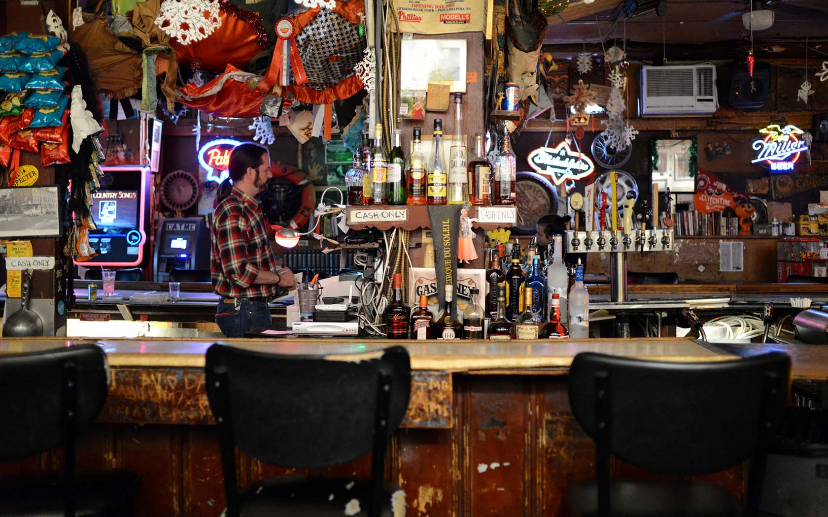 The Underground Guide To Hong Kongs Best Dive Bars