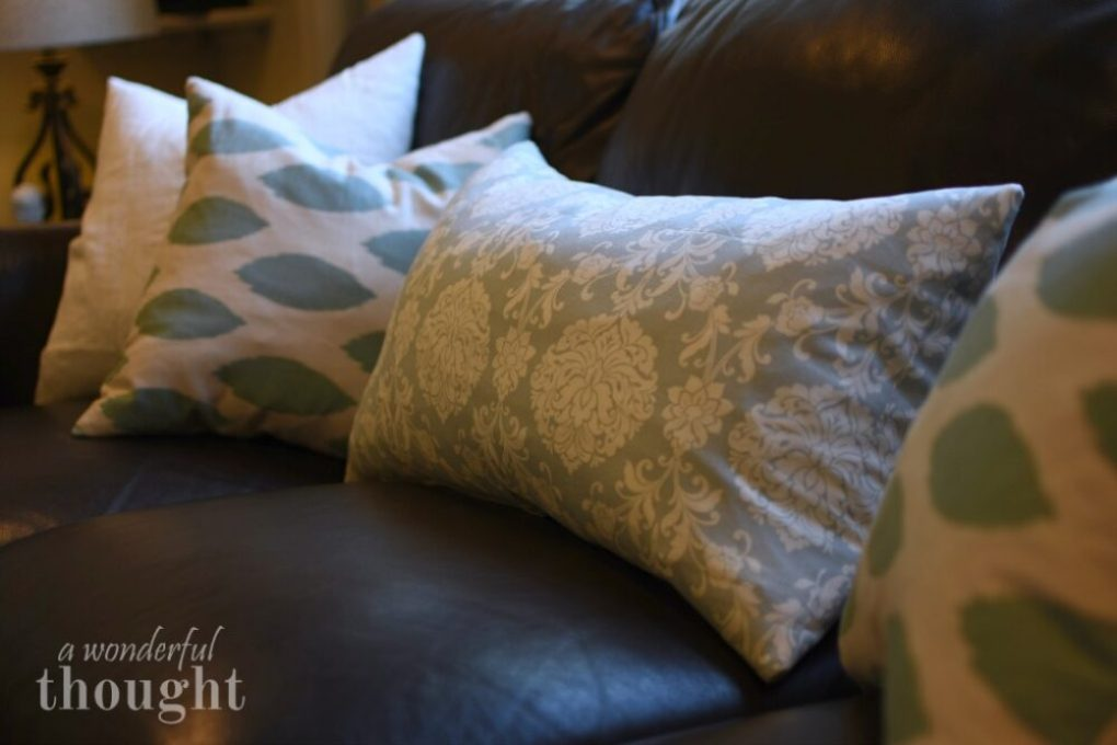 A Wonderful Thought | Easy Zippered Pillow Cover | www.awonderfulthought.com