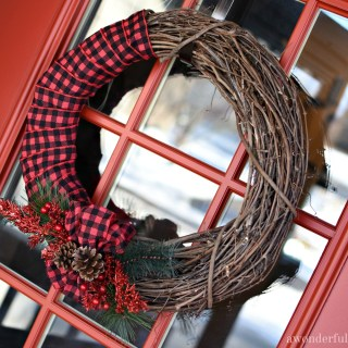 Simple 2 Minute Christmas Wreath