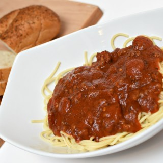 This is the best easy recipe for homemade spaghetti sauce! It is so flavorful! Restaurant Worthy Spicy Sausage Spaghetti | awonderfulthought.com