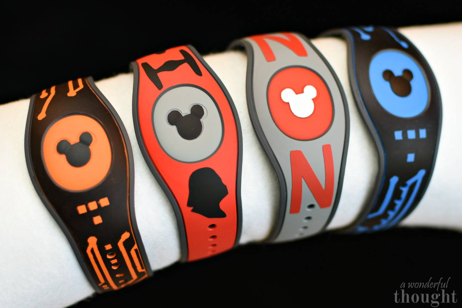 Make your own DIY Decorated MagicBands for your next Disney trip! | awonderfulthought.com