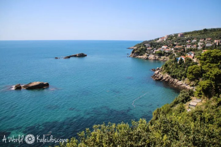 backpacking-montenegro-highlights.reisetipps-ulcinj-meer-ausblick
