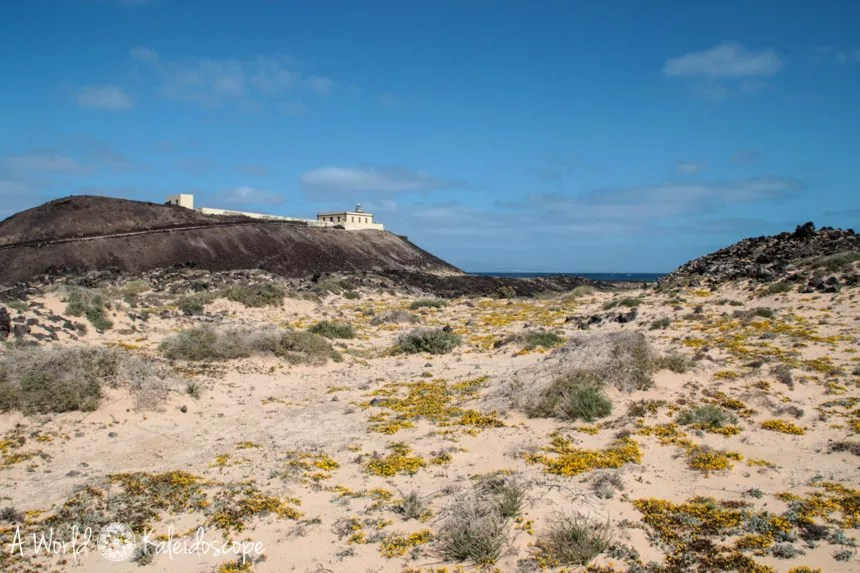 fuerteventura-backpacking-isla-lobos-lighthouse