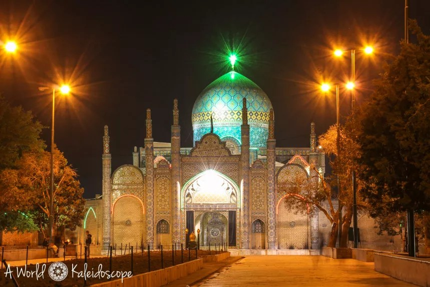 iran-backpacking-qazvin-shrine