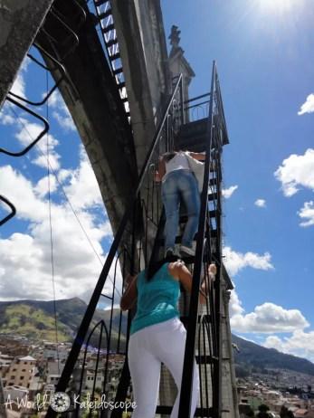 quito-top-sehenswurdigkeiten-basilica-del-voto-nacional-stufen