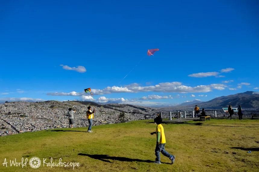 quito-top-sehenswurdigkeiten-panecillo-kites