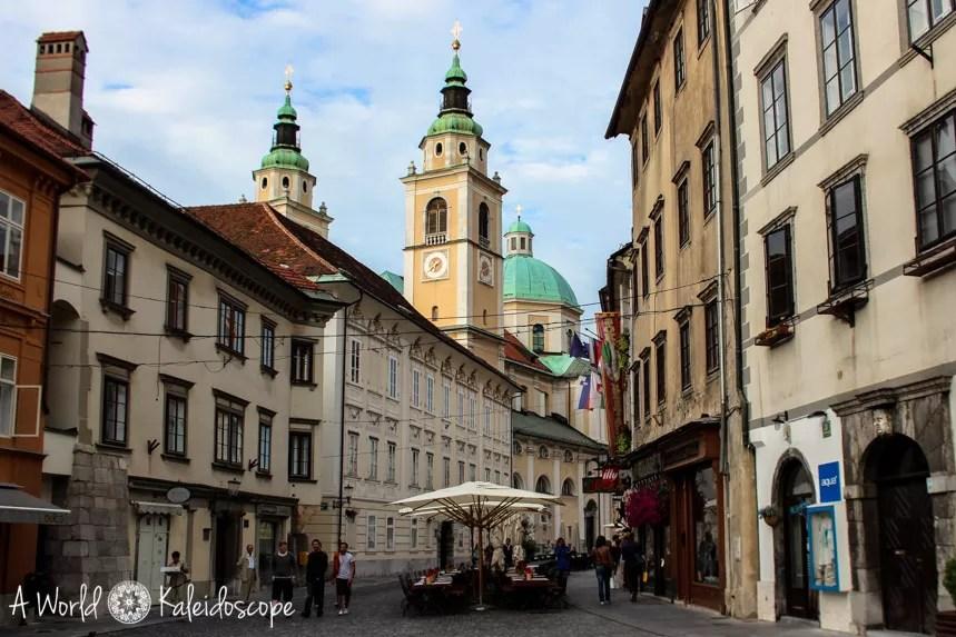 slovenia_ljubljana_old_town_church