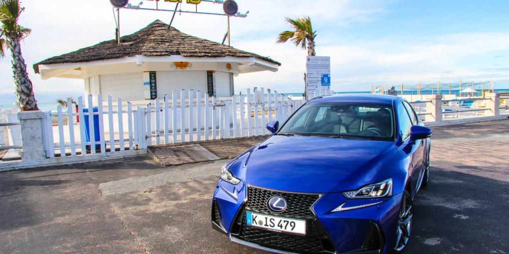 Foto Lexus IS 300h-11