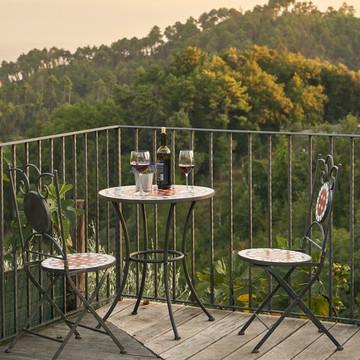 11 conjuntos de mesas y sillas para