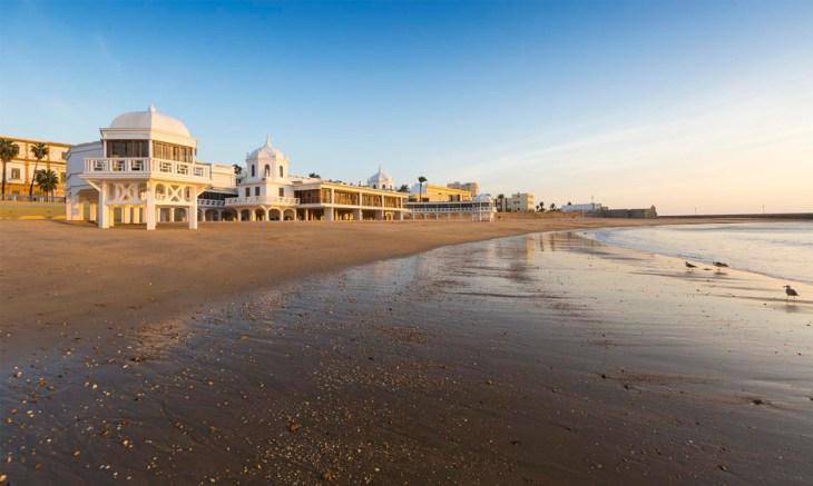 La Caleta: guía de uso y disfrute de la playa de Cádiz por excelencia