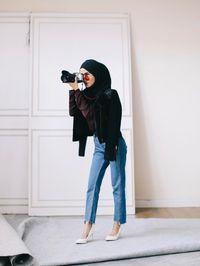 Baju Celana Kerudung Sandal Jaman Sekarang : celana, kerudung, sandal, jaman, sekarang, Foto:, Model, Celana, Jeans, Dipakai, Selebgram, Hijab