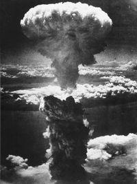 Bom Atom Pertama Dijatuhkan Di Kota Hiroshima Pada Tanggal : pertama, dijatuhkan, hiroshima, tanggal, Potret, Menyedihkan, Jepang, Luluh, Lantak, Dibom