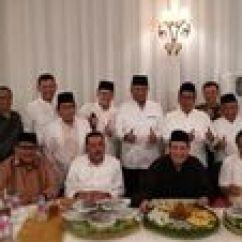 Chairul Tanjung White Chairs For Wedding Kiriman Spesial Megawati Untuk