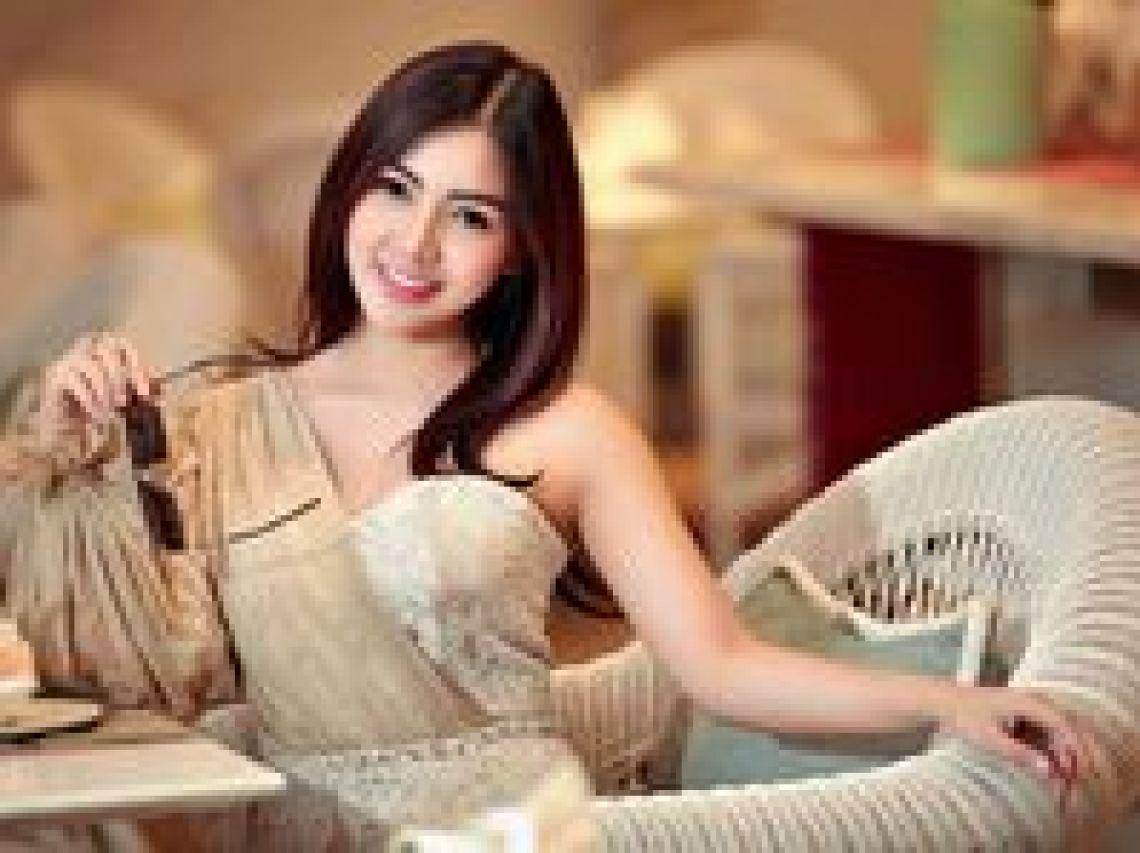 4 Artis Wanita Indonesia yang Bisa Di Booking Online