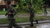 Momen TNI dan Warga Tanjung Lesung Lari karena Kabar Gelombang Tinggi