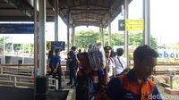 Daop 3 Cirebon Prediksi Penumpang KA Melonjak Hingga Awal Januari