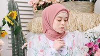 Cek harga hijab cantik kerudung wanita di priceza.co.id. Tempatkan Lesti Kejora Di Posisi 5 Wanita Cantik Dunia Penyelenggara Diprotes