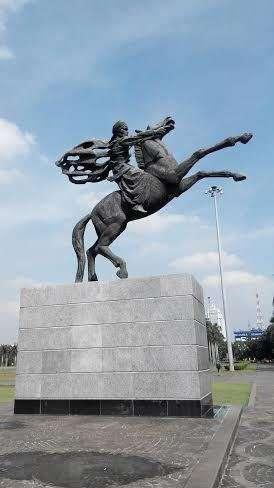 Pembuat Patung Pancoran : pembuat, patung, pancoran, Patung, Diponegoro, Monas, Batal, Diresmikan, Karno