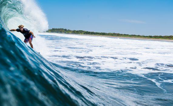 サーフィン初心者必見!サーフボードのサイズやブランドの選び方
