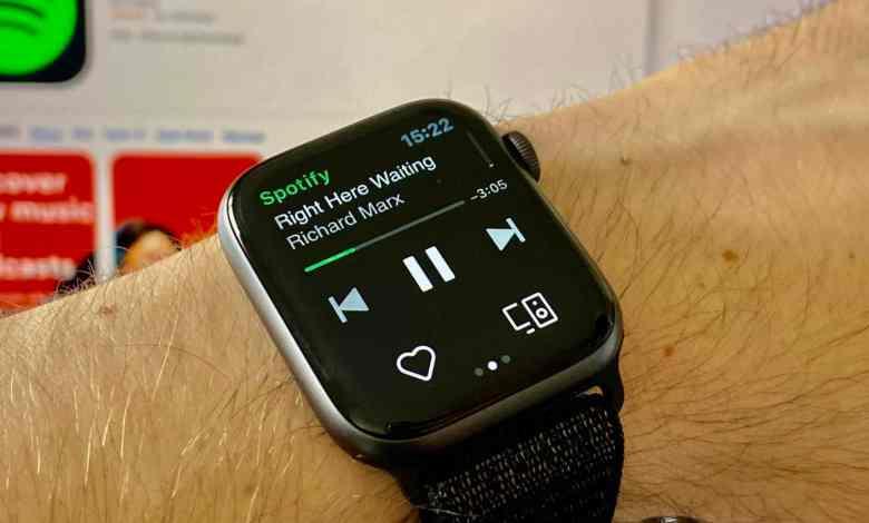 Spotify Apple Watch scaled